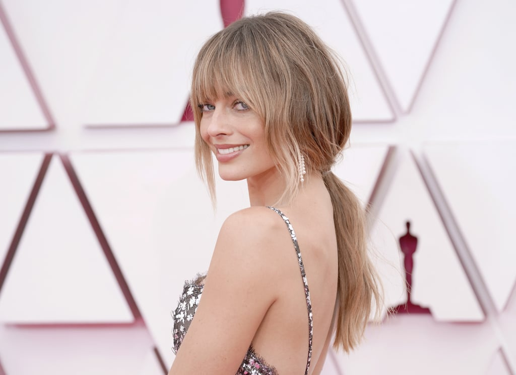 Margot Robbie Was Barely Recognizable at the Oscars With Her New Bangs